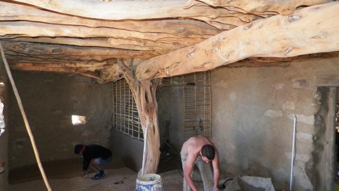 Workshop de revocos de tierra en Gavdos, Grecia